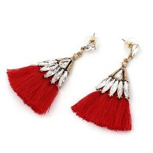Jewelry - ❤️ Gorgeous Crystal Tassel Earrings